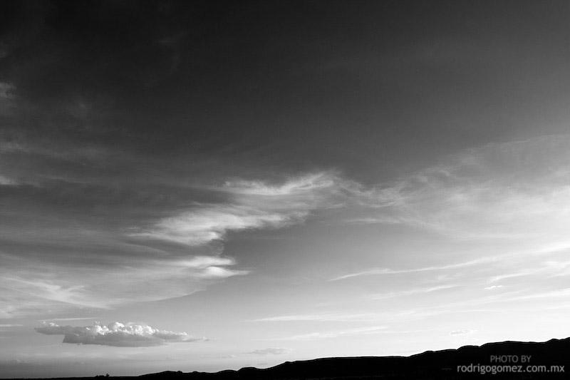 Nubes y Cielo - Blanco y Negro V