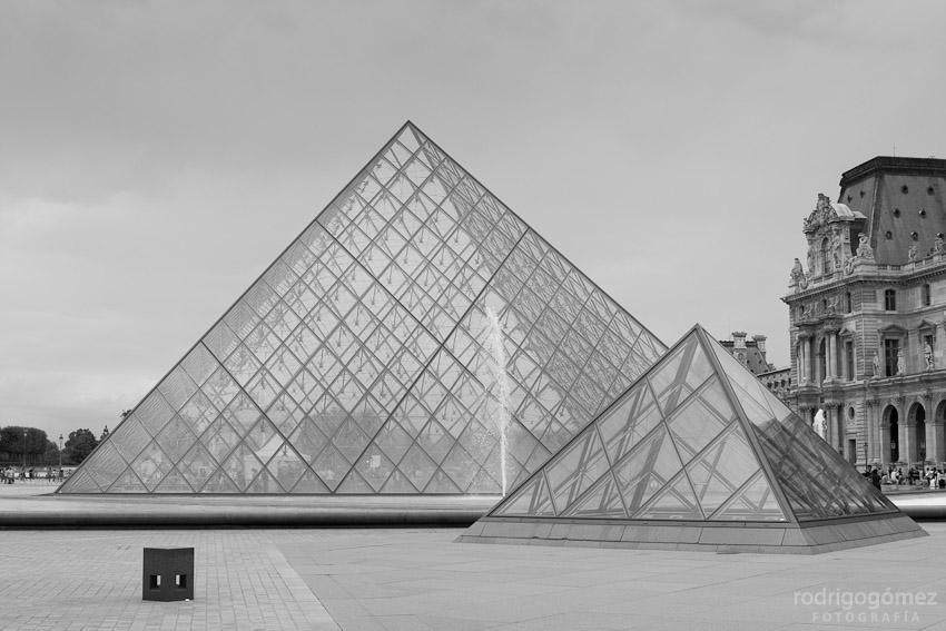 Musée du Louvre, París IV