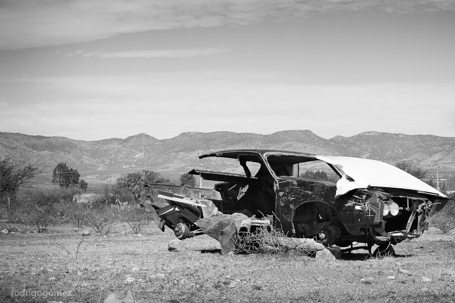 Estudio sobre un carro abandonado I