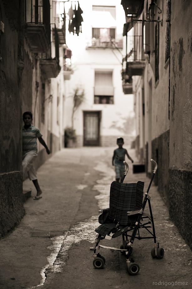 Los niños y la carriola - Tortosa, España