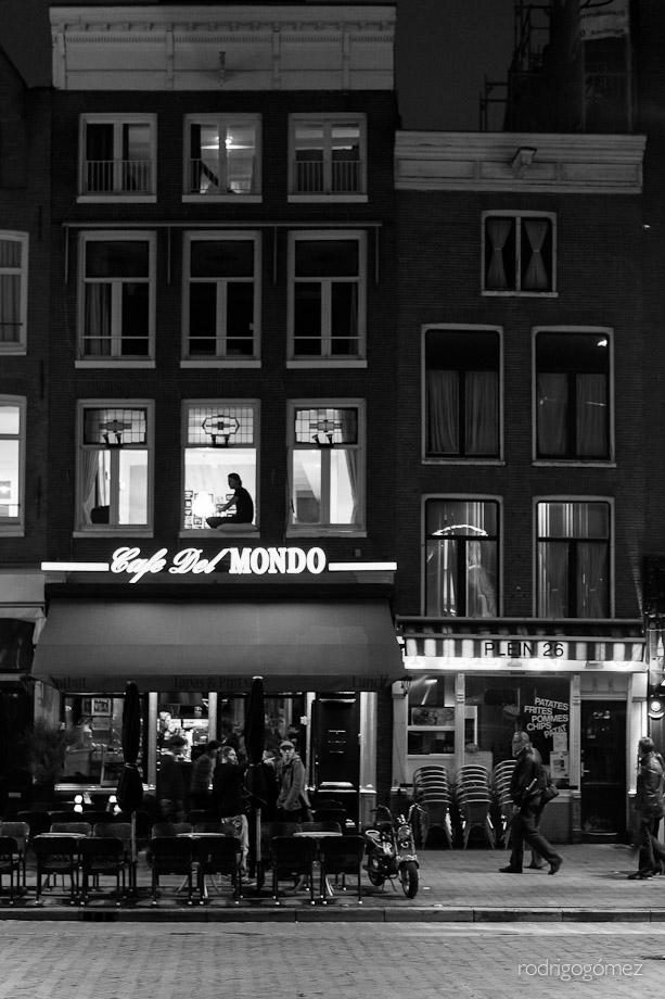 Cafe del Mondo - Amsterdam