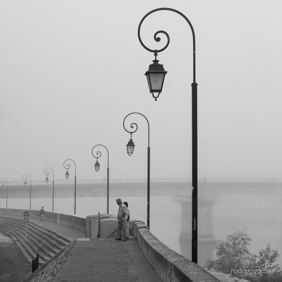 Morning Fog II - Arles, Francia