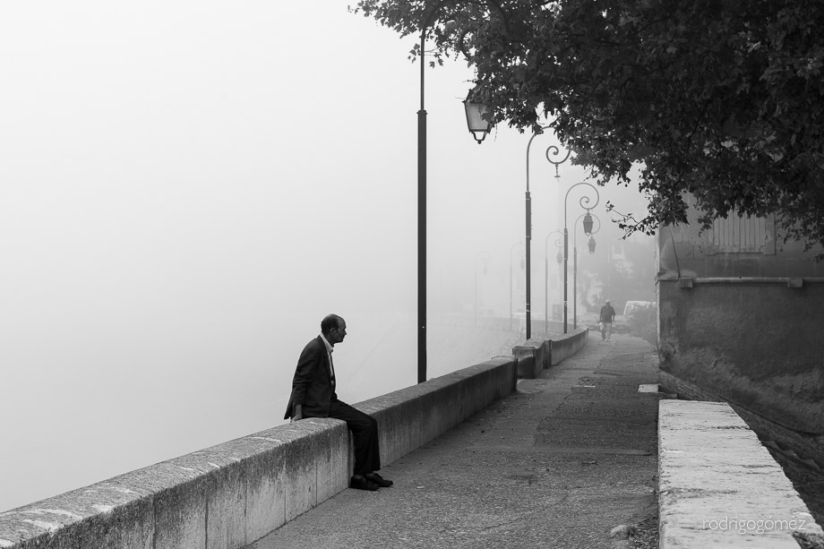 Morning Fog III - Arles, Francia