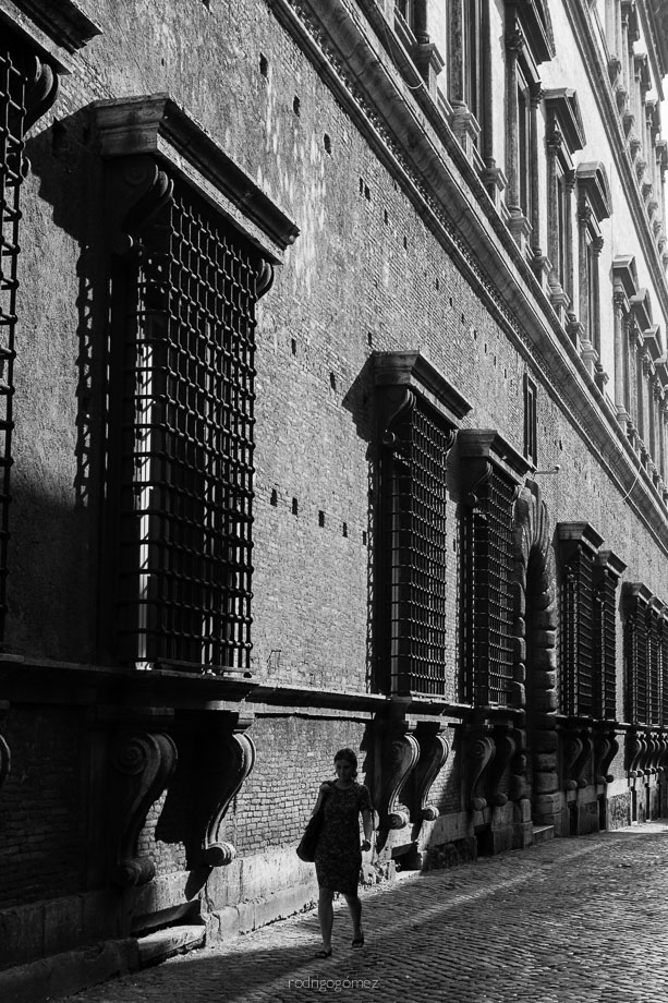 Entre sombras - Roma, Italia